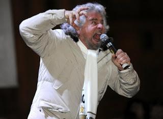grillo urla Il boom di Grillo grazie agli elettori del Pd