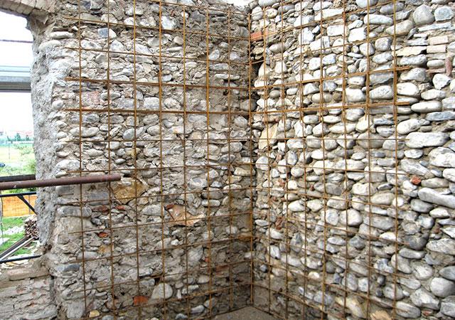 Come rendere antisismica una casa in pietra terminali antivento per stufe a pellet - Rendere antisismica una vecchia casa ...