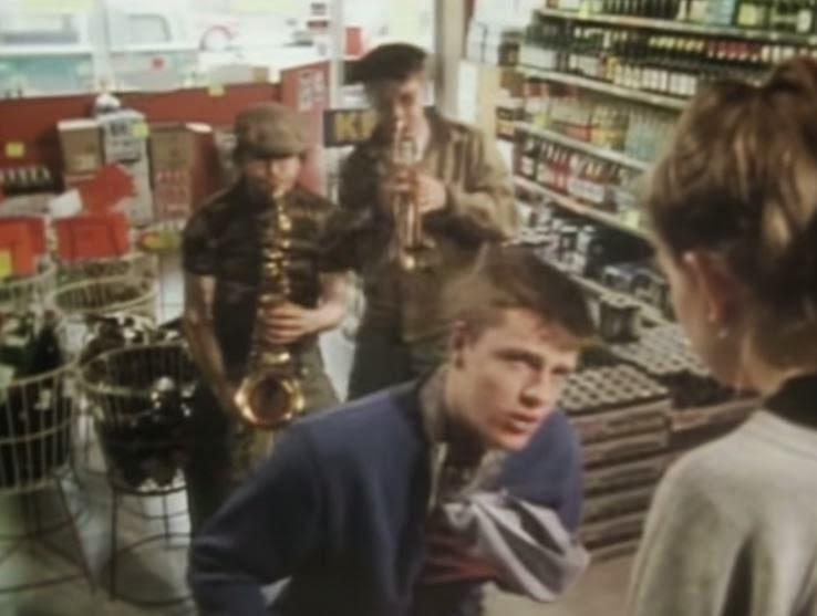 videos-musicales-de-los-80-madness-house-of-fun
