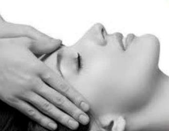 Facial Massage heals the Skin and Soul