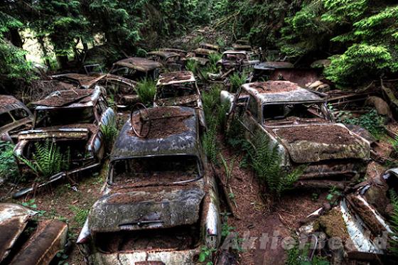 Chatillion στο Βέλγιο: Ένα από τα πιο παλιά και μεγάλα νεκροταφεία αυτοκινήτων στον κόσμο