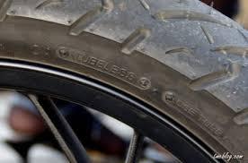 FITUR TERBAIK MOTOR MATIK TVS DAZZ  tubeless tire