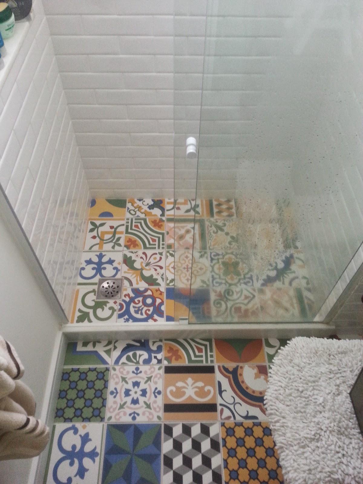 PISO BANHEIRO PORCELANATO DE LADRILHO HIDRAULICO IMPERMEABILIZADO COM  #634A3D 1200x1600 Banheiro Azulejo Hidraulico