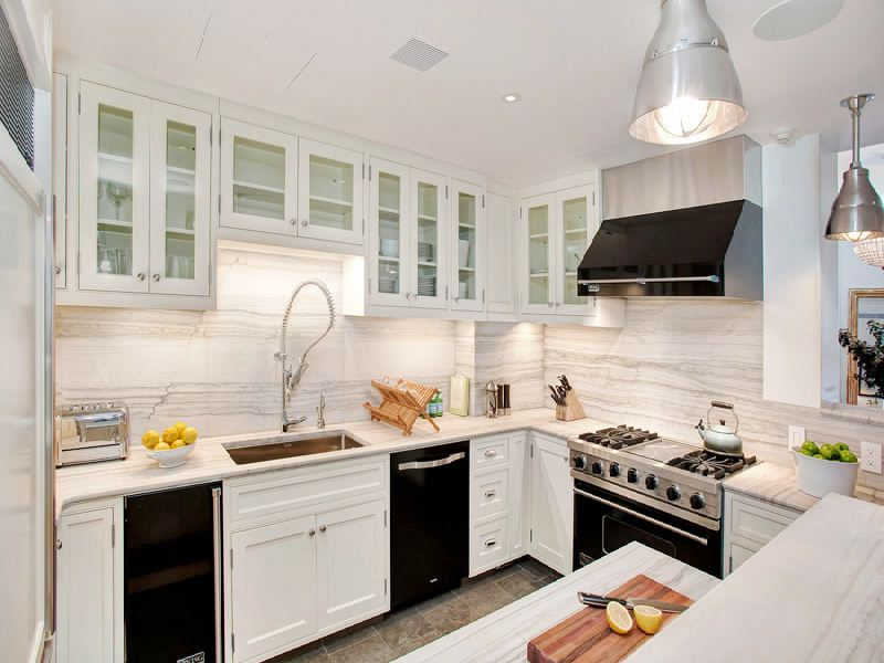 White Cabinets with Black Appliances | 800 x 600 · 68 kB · jpeg | 800 x 600 · 68 kB · jpeg