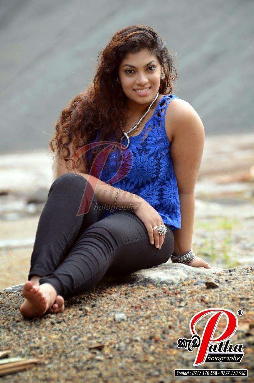 Raini Gunathilake jeans