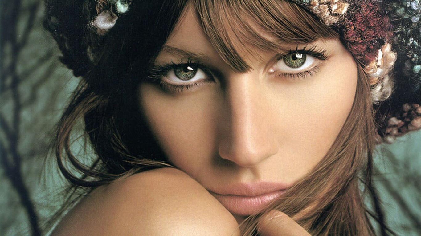 http://2.bp.blogspot.com/-3uLD_Sf7sUA/TmhU4eKEuQI/AAAAAAAAHL4/u6B7IgW27jA/s1600/Gisele_Bundchen_01.jpg