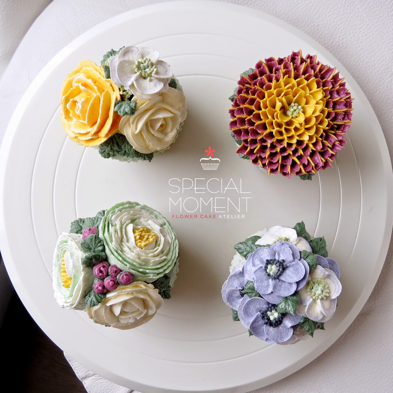 Special Moment Greentea Chocolate Buttercream Flower Cupcake