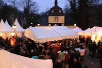 Romantischer Weihnachtsmarkt Schloß Eulenbroich in Rösrath
