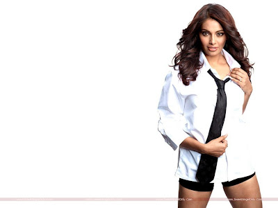 Bollywood Girl Bipasha Basu Wallpaper