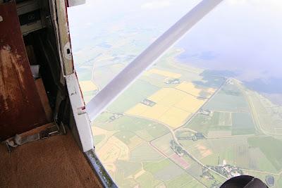 St. Peter-Ording: Fotos eines Tandem-Fallschirmabsprunges über dem ordinger Strand 2