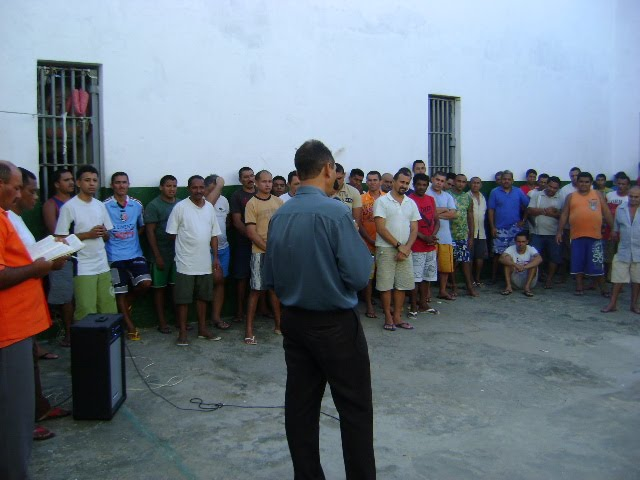 PR.FERNANDO PREGANDO NO PRESÍDIO DE SAPE (PARAÍBA)