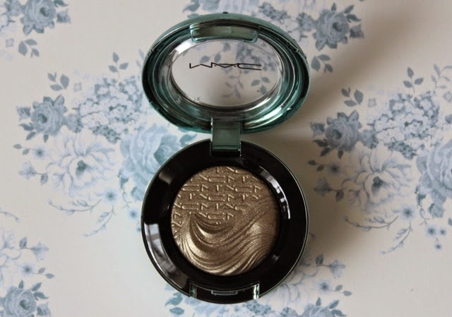 mac sea worship eyeshadow