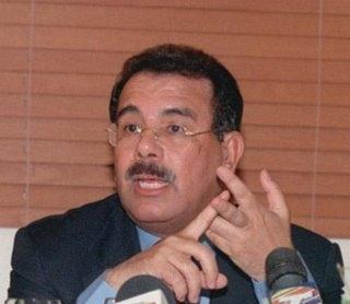 Danilo Medina llama a Hipólito a enfrentarlo a él como candidato