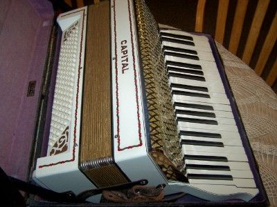 1930 wurlitzer accordion dating