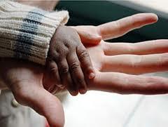 Un protocolo regula cómo actuar con menores no acompañados