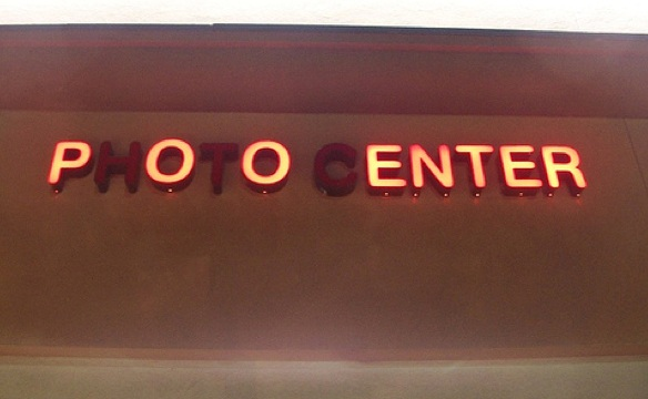 photo center neon sign fail