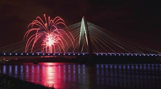 Barbizon Lighting Architectural Lighting of kcICON Bridge
