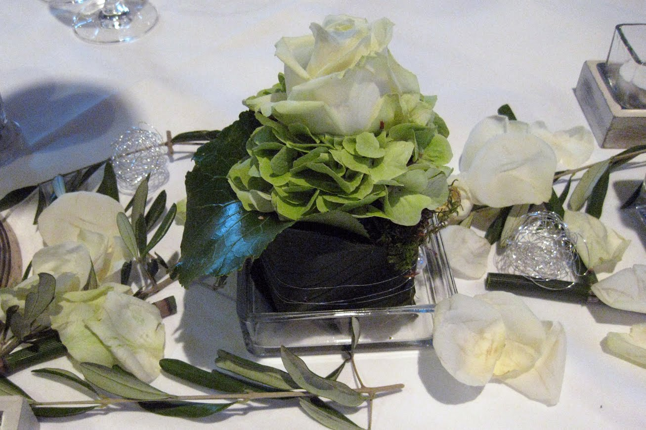 Kunterbuntes floristik for Floristik tischdeko