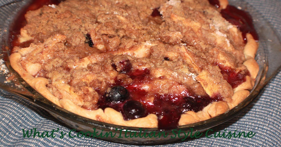 What's Cookin' Italian Style Cuisine: Dutch Apple Blueberry Pie Recipe