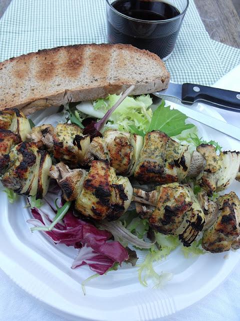 Pinchitos de pollo al curry cocinar es ponerse for Como cocinar pollo al curry