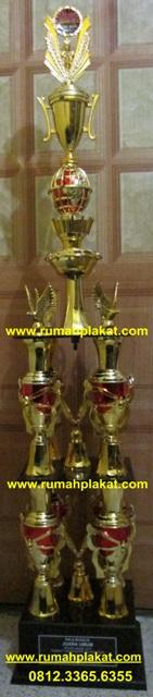 piala kaki empat, trophy bergilir, piala juara umum, 0812.3365.6355, www.rumahplakat.com
