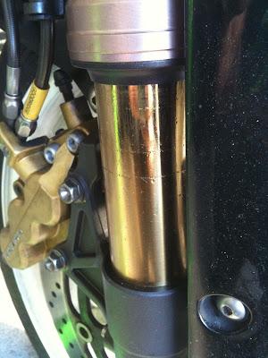 GSX-R1000のフロントフォークオイル漏れ