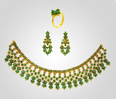 JoyAlukkas Emerald Necklace Sets