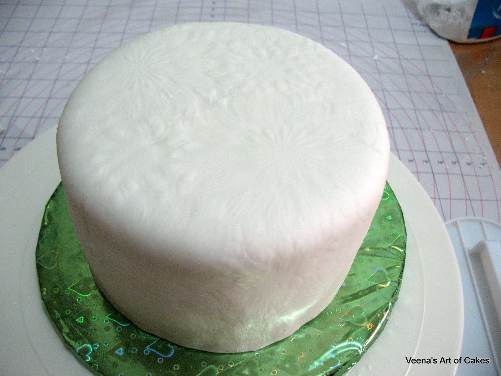 Veena s Art of Cakes: How to make a fondant Gift Box Cake - I