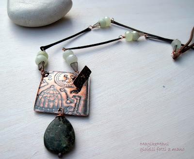 collana di magikemani con cipolline di giada verde