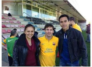 "<a href="" http://2.bp.blogspot.com/-3wgqHkGC-d8/USMHdVngUsI/AAAAAAAAB2c/NViLet9K4HA/s320/donnadariusmessi.jpg.jpgg""><img alt=""donna darius leonel messi foto bersama, dewa bola club barcelona, raksasa spanyol Catalan"" src=""http://2.bp.blogspot.com/-3wgqHkGC-d8/USMHdVngUsI/AAAAAAAAB2c/NViLet9K4HA/s320/donnadariusmessi.jpg.jpg""/></a>"