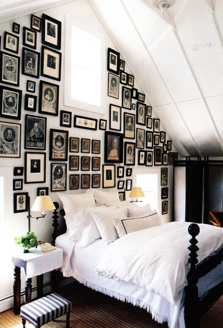 Auction decorating cover your walls with black and white - Photographie decoration murale ...