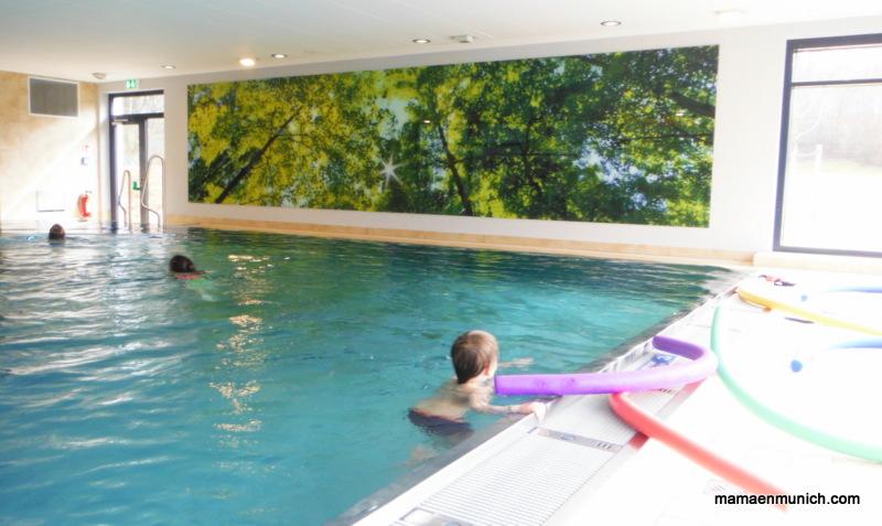 Cursos de nataci n en las piscinas municipales de m nich for Curso piscinas