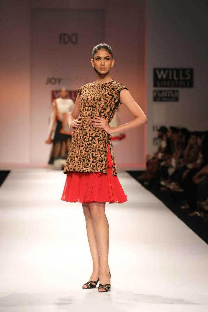 Scarlet bindi south asian fashion and travel blog by neha oberoi wills lifestyle fashion week Wills lifestyle fashion week