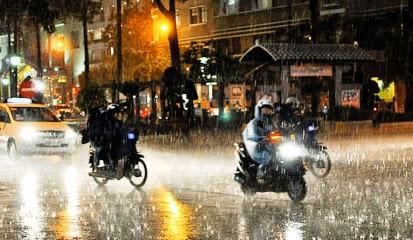 Motor Saat Musim Hujan