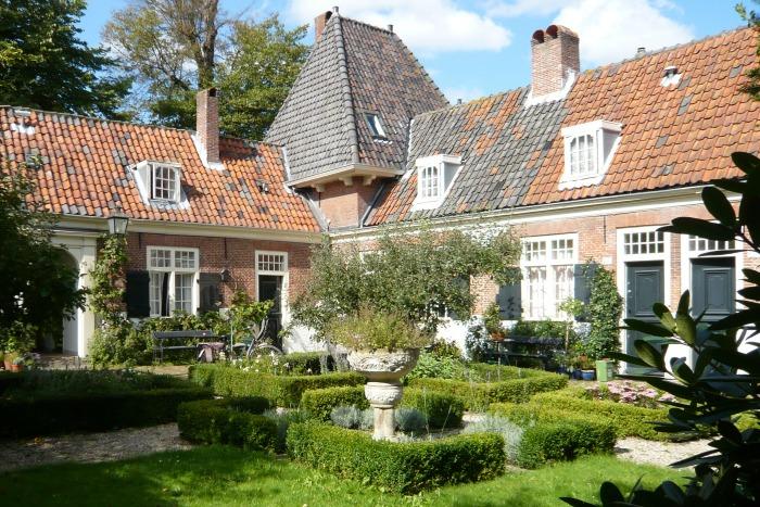 El hofje holandés, un pequeño jardín comunitario y solidario ...