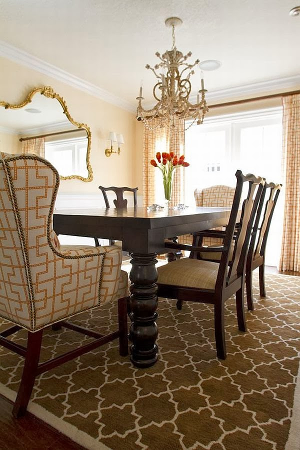 decorating a formal dining room will distribute