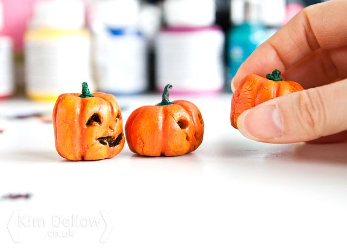 Pepper Pumpkin being taken off for pumpkin carving