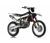 Husqvarna TC449 With Racing Kit (2013) Front Side