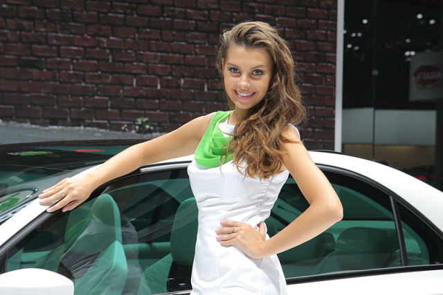 Waiting BD Cute Girls On Auto Show In Frankfort - Discount auto show tickets