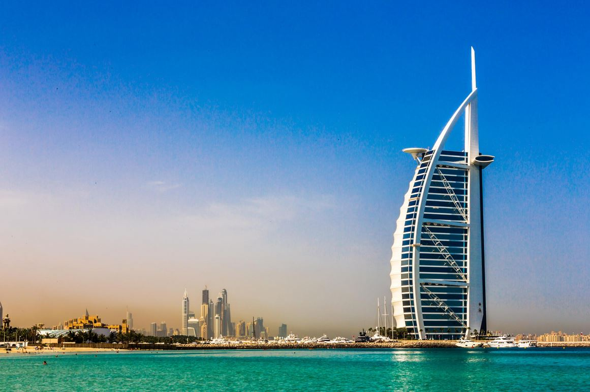 Burj al arab dubai uae amazing views for Dubai famous hotel
