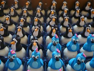doce trufa decorada filme rio pinguim arara azul