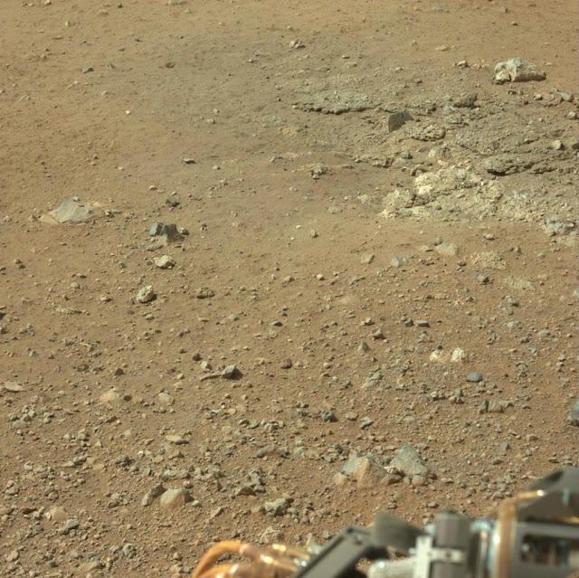 صور حديثة 2012 لسطح كوكب المريخ 0_8f3da_f7277666_ori