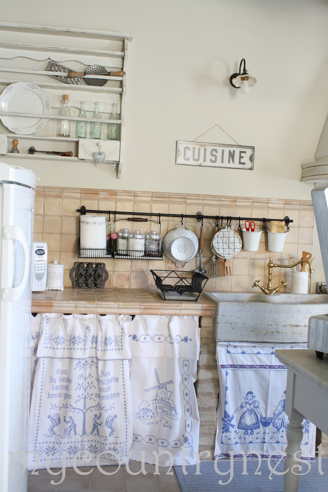 ... vintage style, some country chic, and here it is, our B&B kitchen