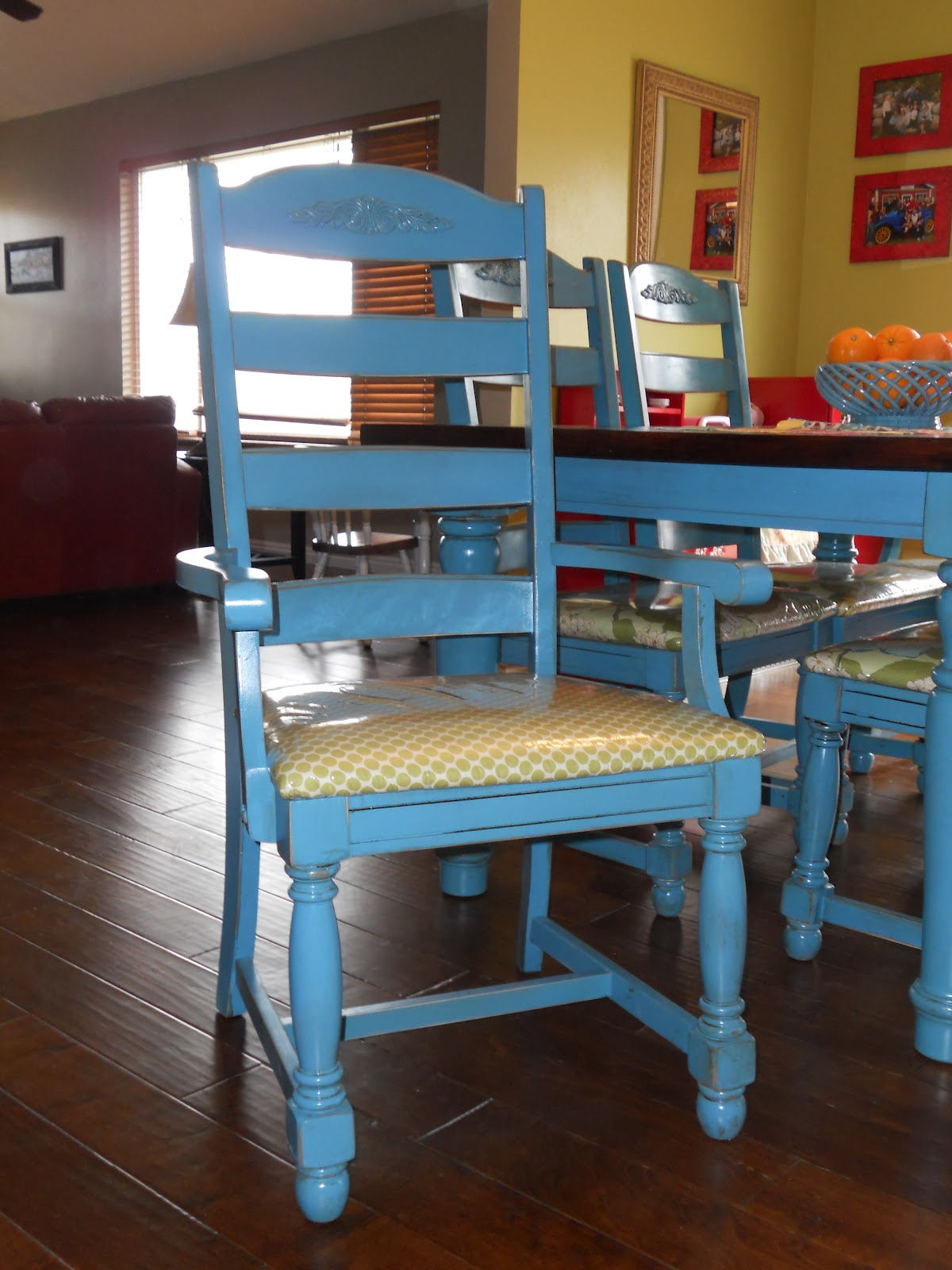 Simply You: Kitchen Table and Chairs redone
