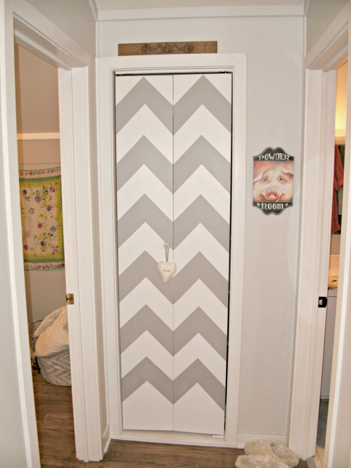 diy chevron linen closet door little vintage cottage. Black Bedroom Furniture Sets. Home Design Ideas