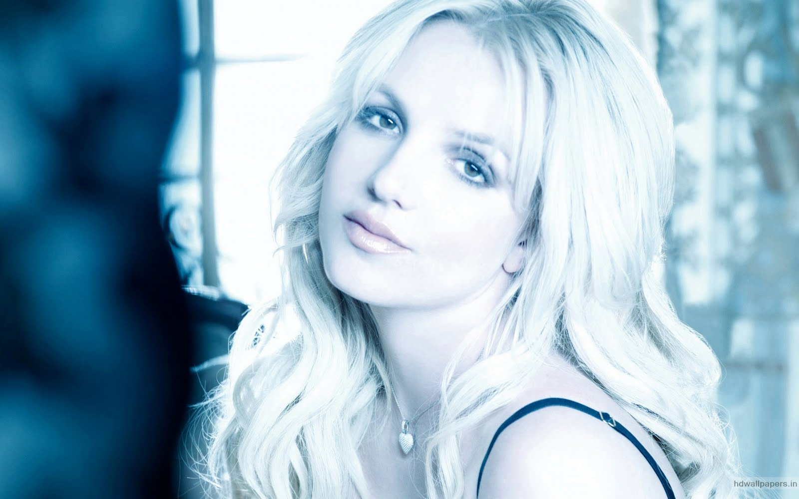 http://2.bp.blogspot.com/-3y_oPmVnYPI/TmI4Bqj3kNI/AAAAAAAACbo/ydsYir2Ehxc/s1600/Britney+Spears+2011+Pictures.jpg