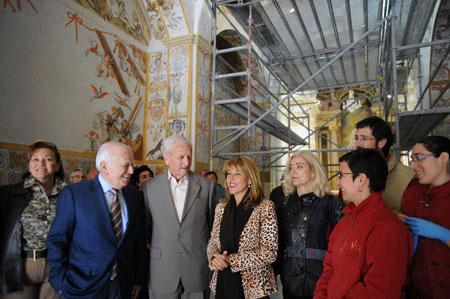 Trini Miró: 'Recuperar las pinturas murales de Hondón de las Nieves es una prioridad para la Generalitat'