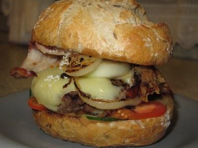 Pastrami Burger auf Serious Eats