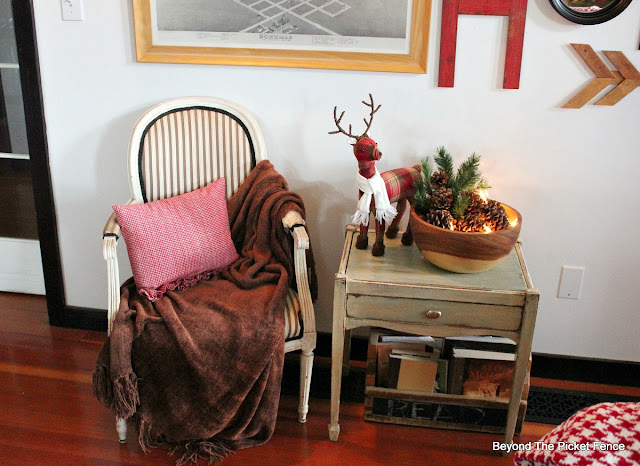 christmas decor, christmas ideas, hometalk, country living, winter decor, woodland, reindeer, pinecones, Christmas vignettes, http://bec4-beyondthepicketfence.blogspot.com/2015/12/home-for-christmas-home-tour-blog-hop.html