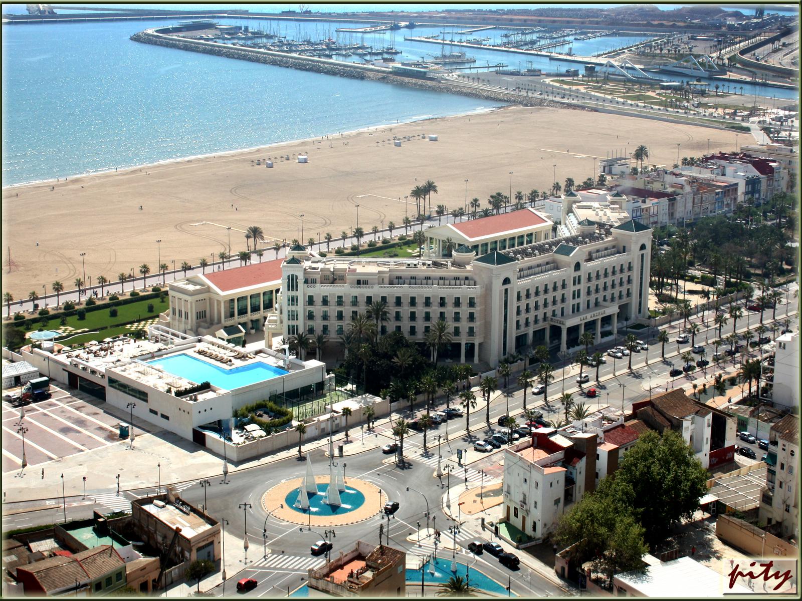 Vida sana y literatura viajar a valencia hoteles e - Hoteles en la playa de la malvarrosa ...